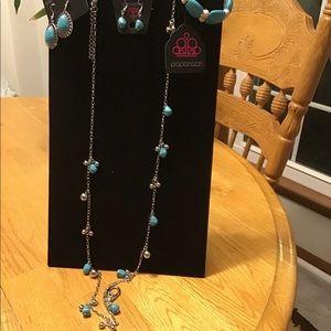 NWT Paparazzi necklace bracelet & 2 sets earrings